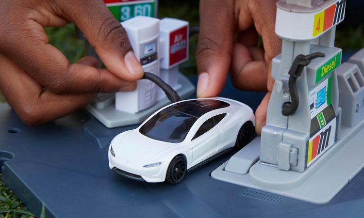 Mattel presenta Matchbox Tesla Roadster